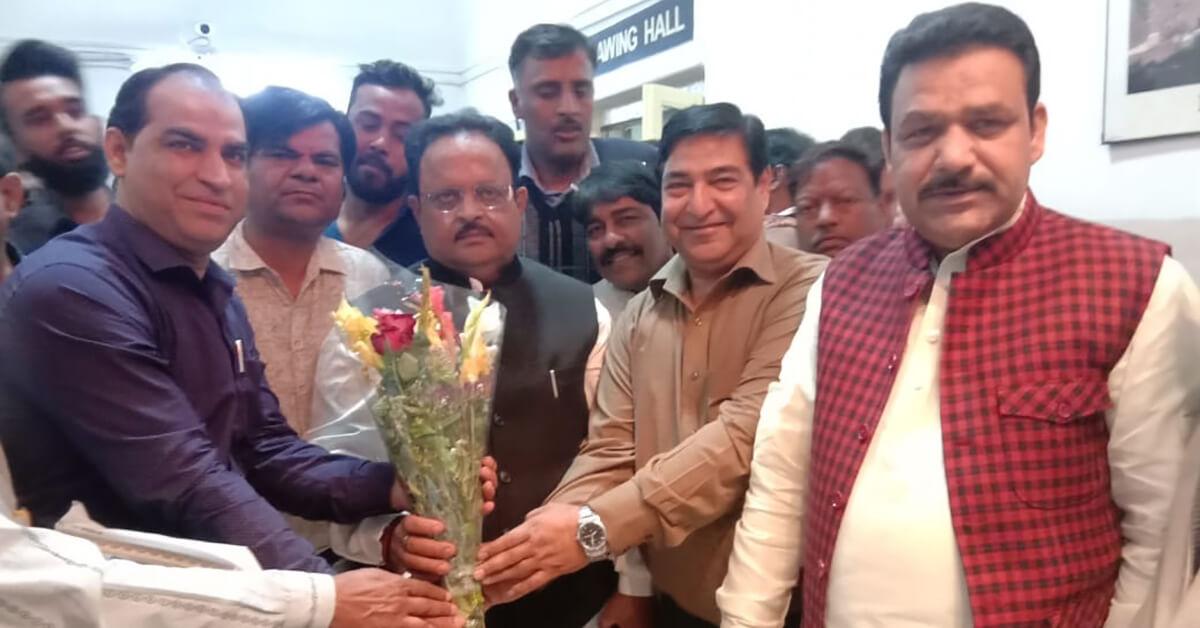 स्वास्थ्य मंत्री श्री रघु शर्मा से इलेक्ट्रोपैथी चिकित्सकों ने की भेंट